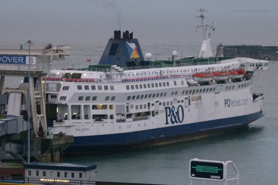 De-storing at Dover's Berth 6 © Ray Goodfellow