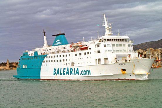 © Carlos Moreno Trobat Trobat (www.merchantships.info)